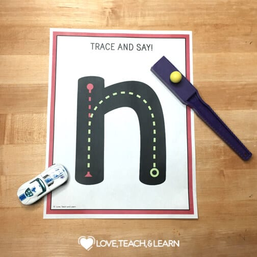 differentiate handwriting : MULTI SENSORY LETTER FORMATION ACTIVITY
